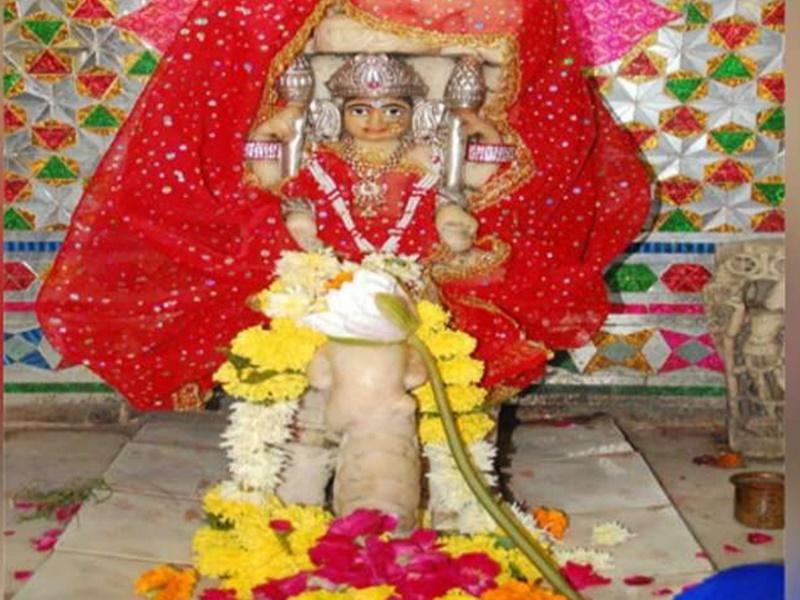 Mahalakshmi Vrat 2019: यह है देश का दुर्लभ मंदिर, हाथी पर बैठी लक्ष्मी की यहां होती है पूजा