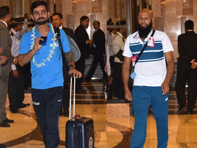 क्रिकेटर्स का इंदौर पहुंचने पर पारंपरिक स्वागत