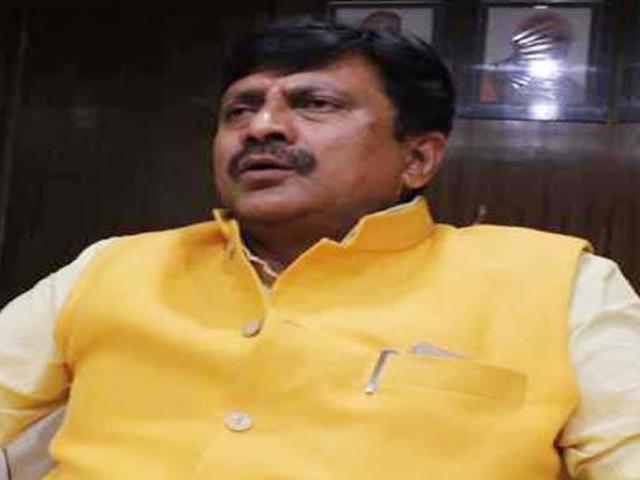 Madhya Pradesh : सांसद गणेश सिंह के खिलाफ आयोग से शिकायत, कांग्रेस ने कहा- शादी में किया प्रचार