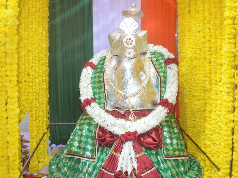 Ganesh Utsav 2019 : खंडवा में आस्था का केंद्र है आठवीं शताब्दी का स्वयंभू गणेश मंदिर