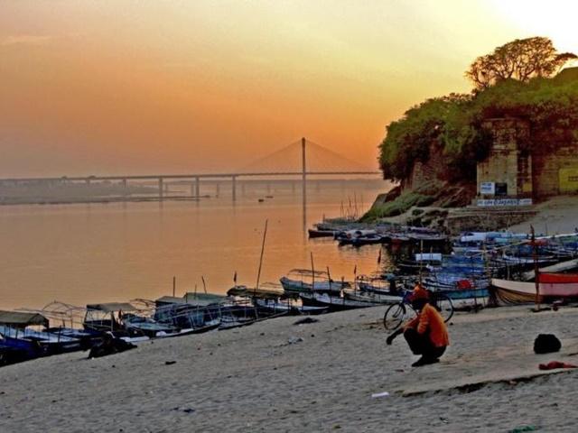 Ganga in Prayagraj: संगम नगरी में जल स्वच्छ पर सिमट रहा है गंगा का दायरा