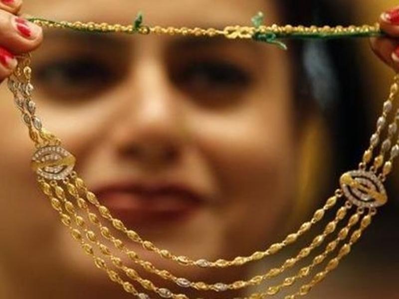 Gold Rate Today : करवा चौथ के दिन सस्ते हुए सोना-चांदी, जानिए आज के दाम
