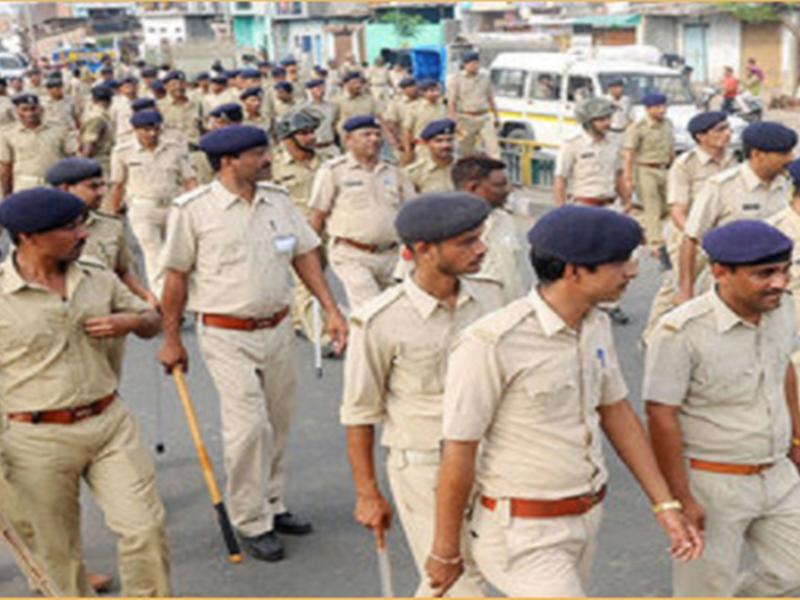 Gujarat Police: गुजरात पुलिस में 26,147 पद खाली, इस साल होगी इतनी भर्तियां