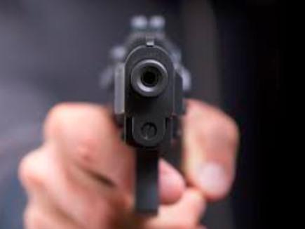 Bareli Crime News : बच्ची ने पूछा 'अंकल, ये गन है या खिलौना', जवाब में चला दी गोली