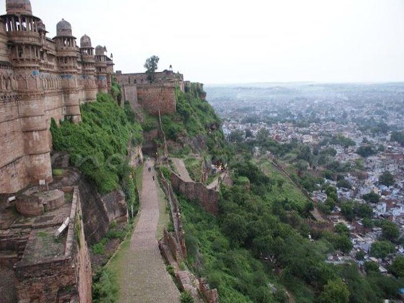 Madhya Pradesh Weather Update : यहां 4 दिन तक बारिश के आसार नहीं, उमस करेगी बेहाल