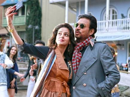 Box Office : 'हिंदी मीडियम' 300 करोड़ पार, शाहरुख-सलमान की फिल्में पीछे