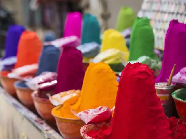 Warning: स्किन और लिवर के लिए घातक है Holi के ये दो रंग, हर्बल गुलाल में भी मिला है केमिकल