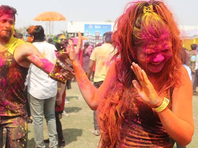 Holi 2019 : होली के रंग को निकालने का यह है सही तरीका