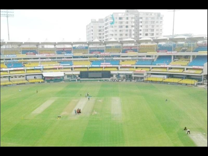 Indore may lose hosting of Test match इंदौर से छिन सकता है भारत-जिम्बाब्वे मैच!