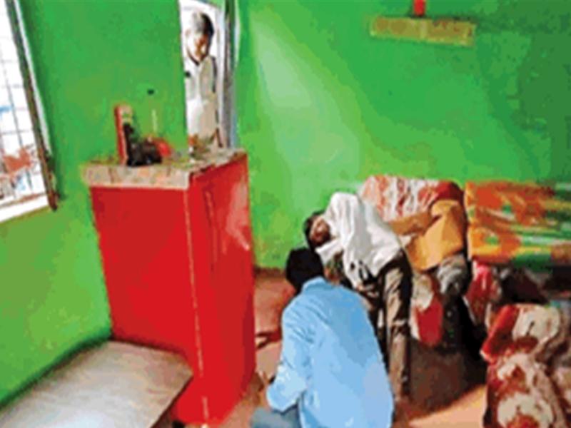 करवा खरीदने गई थी दूसरी पत्नी, पहली से बिछड़ने के गम में पति ने खुद को गोली मारी, मौत