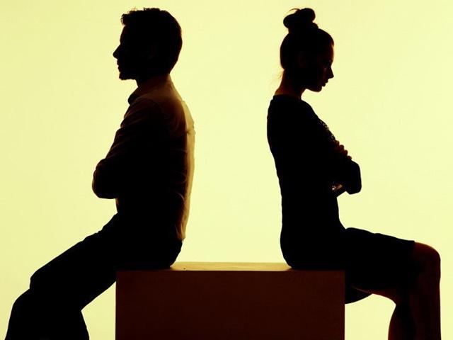 हनीमून पर आया युवती का कॉल, फिर इस अंजाम तक पहुंच गया पति-पत्नी का रिश्ता