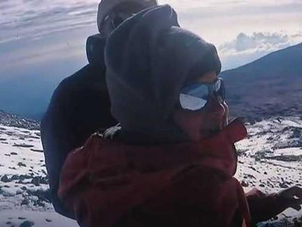 हैदराबाद के 7 साल के बच्चे ने अफ्रीकी चोटी पर फहराया तिरंगा, रचा इतिहास