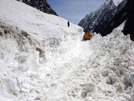 the body of a missing soldier found in ice in avalanche