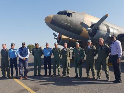 जामनगर एयरस्टेशन पहुंचा वायुसेना का डकोटा डीसी -3 विमान, आज हिंडन स्टेशन पहुंचेगा