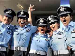 वायुसेना महिलाओं को मोर्चे पर लगाने को तैयार