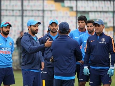 INDvsSL: टीम इंडिया की निगाहें इस अनोखे रिकॉर्ड पर