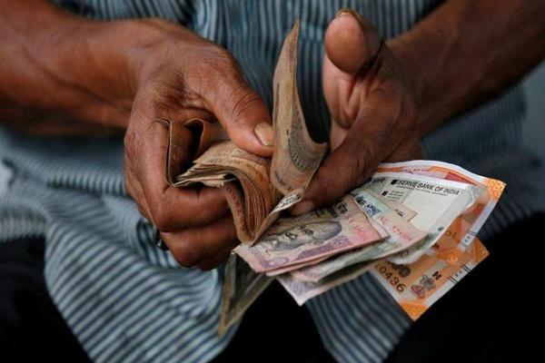 आलेख : ब्याज दरें घटाने से नहीं बनेगी बात - डॉ. भरत झुनझुनवाला