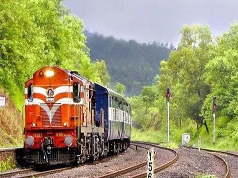 Raipur news : रेलवे के रिटायर्ड कर्मचारियों के बच्चे भी बेच सकेंगे टिकट