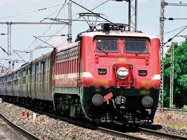 Bilaspur: चार लाख रुपए दो और प्रमोशन लो, रेल अधिकारियों ने तय किया रेट