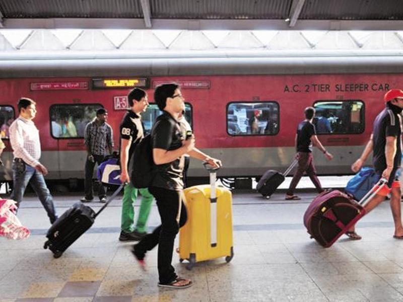 Indian Railway: कम भीड़ वाले सीजन में घट जाएगा रेल किराया, जानिए क्या है पूरी योजना