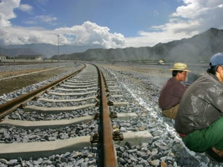 ब्रॉड गेज रेल लाइन से इसी साल जुड़ेंगे भारत-नेपाल