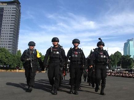 Indonesia: पुलिस ने पूछताछ के लिए अपनाया अजीबोगरीब तरीका, मांगनी पड़ी माफी
