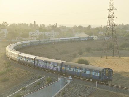 रेलमंत्री और स्पीकर ने दिल्ली से दिखाई हरी झंडी, रवाना हुई अजमेर ट्रेन
