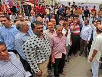 जीएसटी के विरोध में इंदौर में बंद रहा थोक कपड़ा बाजार
