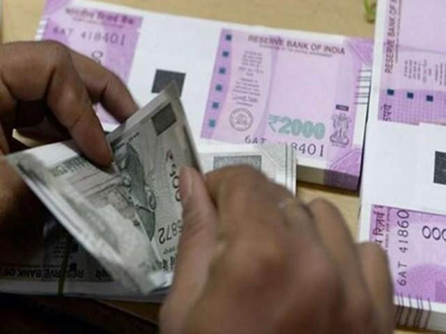 Indore के व्यापारी से बड़ी ठगी, 32 लाख रुपए ले गया अहमदाबाद का डॉक्टर