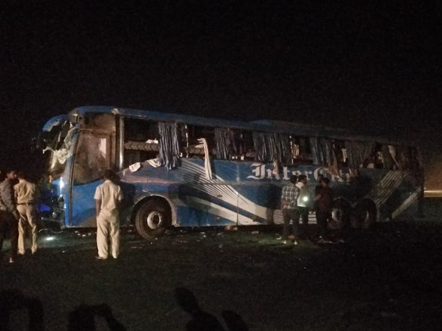 Indore Pune bus accident near manmad 15 people injured