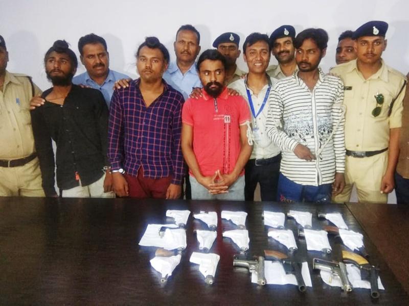 अवैध हथियारों के सौदागर धराए, बड़ी मात्रा में हथियार भी बरामद ! Indore News