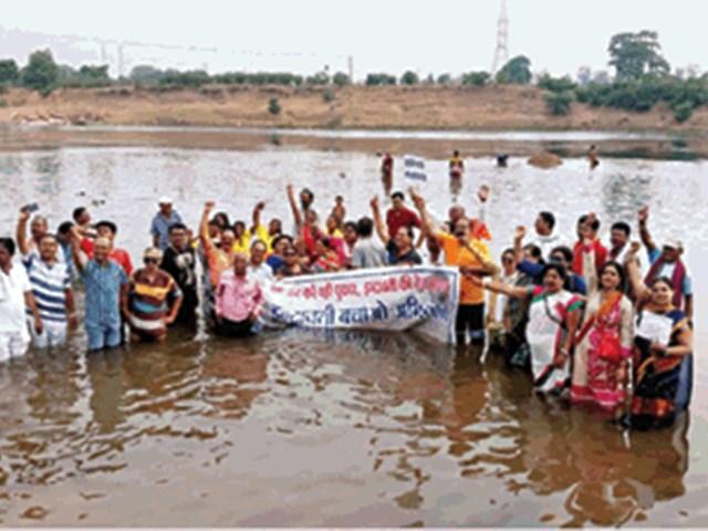 Indravati Bachao Andolan : इंद्रावती नदी को बचाने के लिए जारी है पदयात्रा