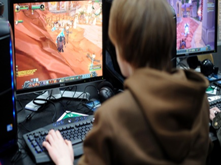 बच्चों को हिंसक बना रहे ये इंटरनेट गेम्स, रखें नजर वरना हो सकता है बड़ा नुकसान