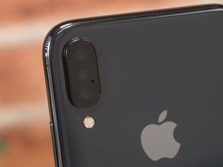 2019 में Apple ला सकता है तीन iPhone, ट्रिपल कैमरे वाले फोन की तस्वीरें वायरल