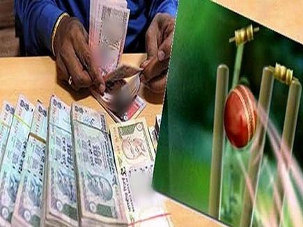आईपीएल मैच पर सट्टा पकड़ाया,  नागपुर और इंदौर से लिंक