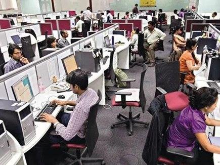 IT सेक्टर में पिछले साल से 50 लाख कम नई नौकरियां, आगे भी घटेंगी