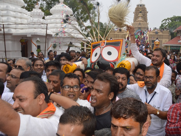 भगवान जगन्नाथ की शोभायात्रा में उमड़ा श्रद्धा का सैलाब, देखिये तस्वीरें
