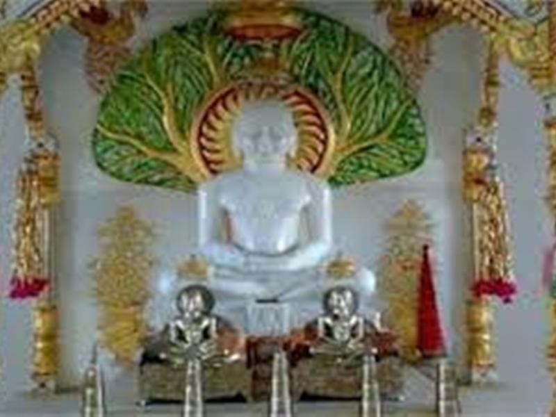 Ujjain News : दिवाली की रात होगी जैन मंदिर में आराधना, सुबह चढ़ाएंगे निर्वाण लाडू