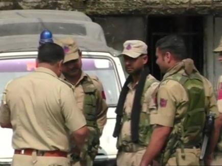 जालंधर में कश्मीर के 3 छात्र एके-47 राइफल व हथियारों के साथ गिरफ्तार