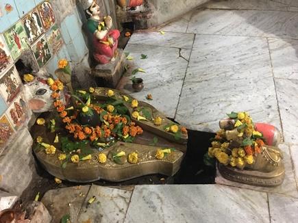 देवास जिले में जटाशंकर तीर्थ है जटायु की तपोभूमि, गोमुख से बहती है अखंड जलधारा