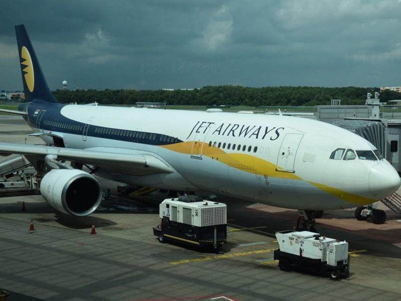Jet Airways का शेयर 41 फीसदी गिरा, बचे दो निदेशकों का भी इस्तीफा