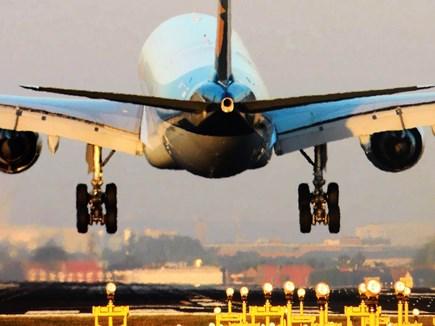 संकट में फंसी जेट एयरवेज को हुआ 1,323 करोड़ का घाटा
