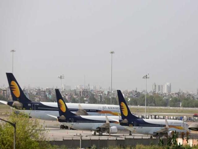 Jet Airways Shutdown: इंदौर के मुसाफिरों को नुकसान, 17 के बजाए 11 शहरों के लिए सीधी फ्लाइट