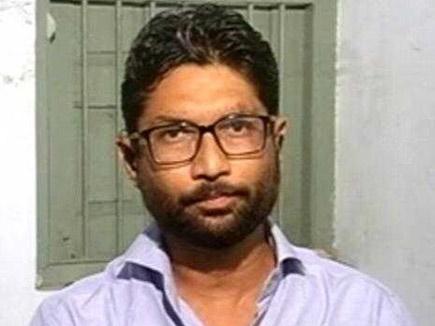 गुजरात विधानसभा में सबसे गरीब विधायक जिग्नेश मेवाणी