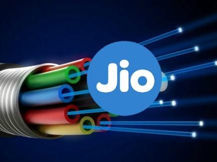 Jio GigaFiber से जुड़ी हर जानकारी मिलेगी यहां, घर बैठे ले सकते हैं सेवा का लाभ