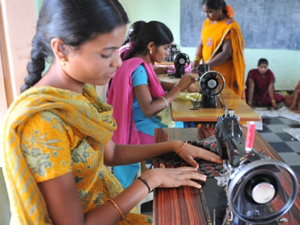 केवल 8 फीसद महिलाओं के पास है 10 हजार रुपए से ज्यादा की नौकरी