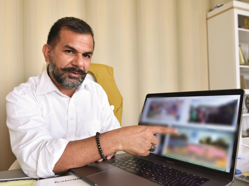 Inspiration : दुबई में विदेशी कैदियों को घर पहुंचाने के लिए भारतीय ने खरीदी फ्लाइट की टिकट