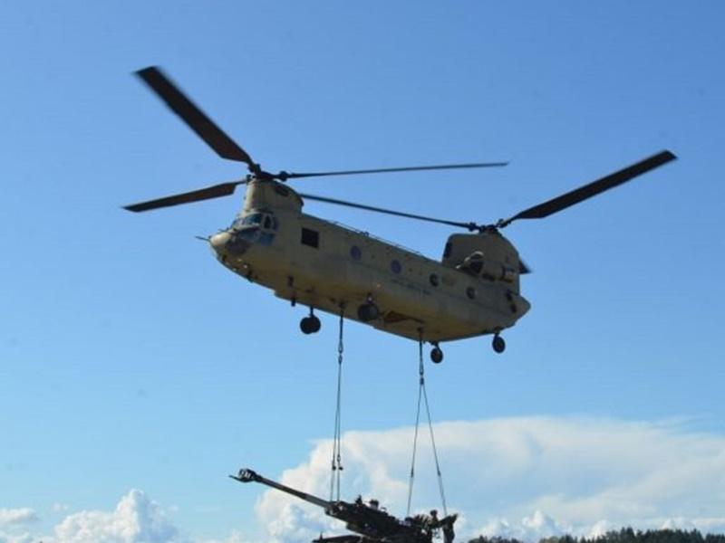 Joint Exercises : चिनूक हेलीकॉप्टर पर भारतीय और अमेरिकी सैनिकों ने किया संयुक्त अभ्यास