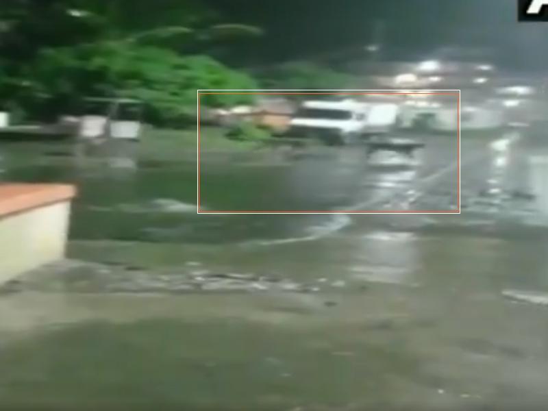 Video: रात में जूनागढ़ की सड़कों पर घूमती नजर आई शेरों की टोली