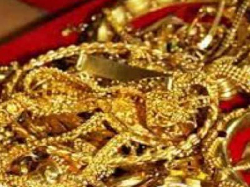 कुंदा उखाड़कर घर में घुसे चोरों ने साढे चार लाख के जेवर उड़ाए ! Jabalpur News